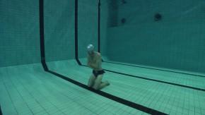 The twin in the pool, Tvillingen i poolen