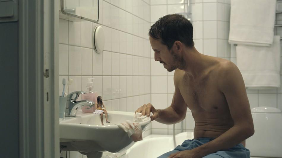 The twin on the sink, Tvillingen på handfatet