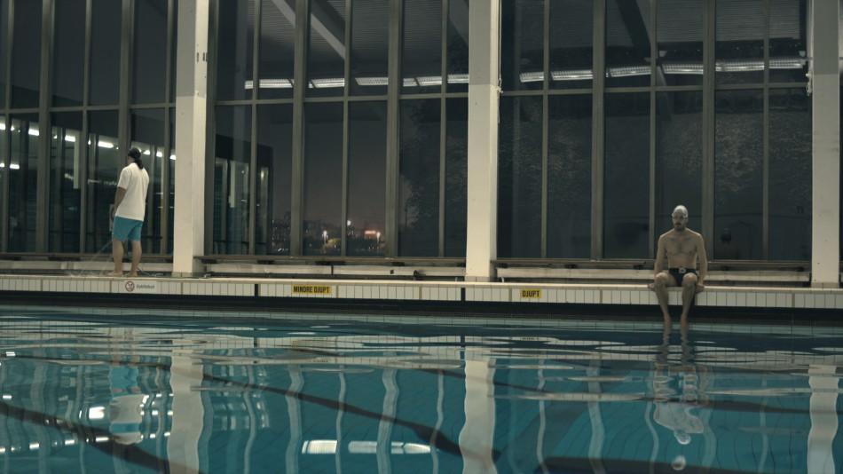 The Twin at the pool, Tvillingen vid poolen